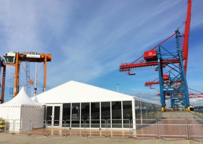 """<h2>APM-Terminals, Göteborg</h2><p>Tält med hårda glasväggar till kundevent under Volvo Ocean Race.</p> <a href=""""/kontakt/"""" class=""""main-btn"""">Kontakta oss</a>"""
